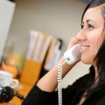 mulher_trabalhando_telefone (640x425)
