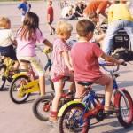 criancas bike - foto antiga (600x394)