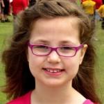 menina oculos03 (400x268)