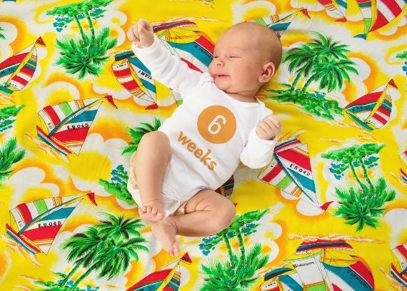 bebe de 1 mes