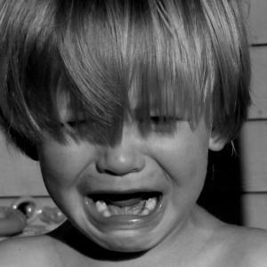 menino chorando03 (570x570)