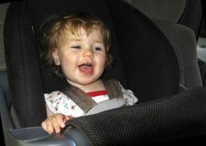 bebe cadeirinha carro (570x406)