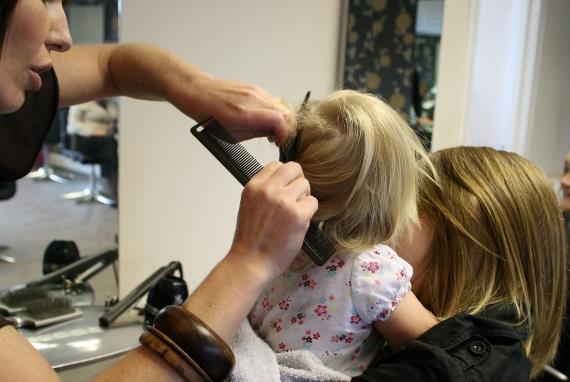 cortar os cabelos