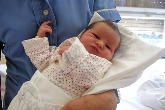 Regras para visitar bebê recém-nascido e dicas de presentes