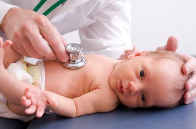 pediatra e bebe