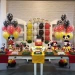 decoracao festa mickey com baloes com gas helio
