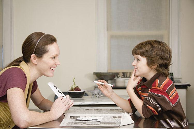 Como os pais e a escola podem ajudar desenvolvimento da linguagem e fala da criança