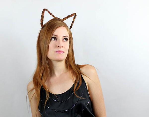 Adultos também podem se divertir com uma orelhinha feita com tranças.