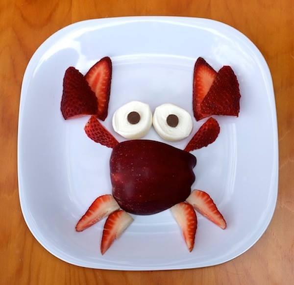 lanche divertido carangueijo de frutas