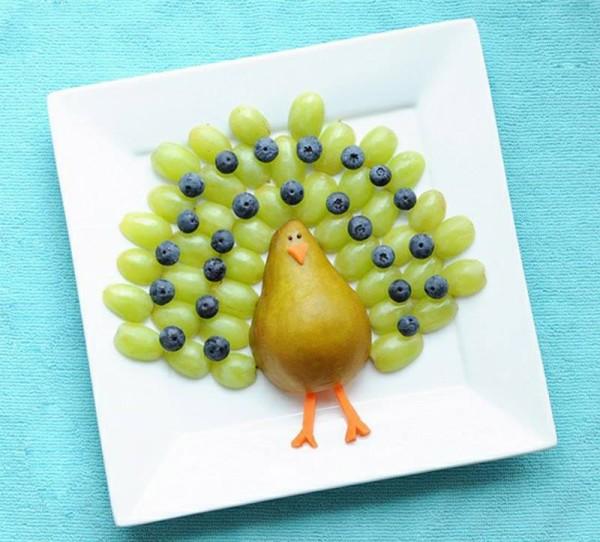 lanche divertido pavao de frutas